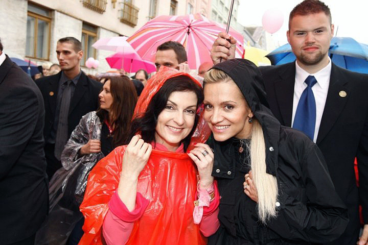 S Darou Rolins na pochode proti rakovine prsníka