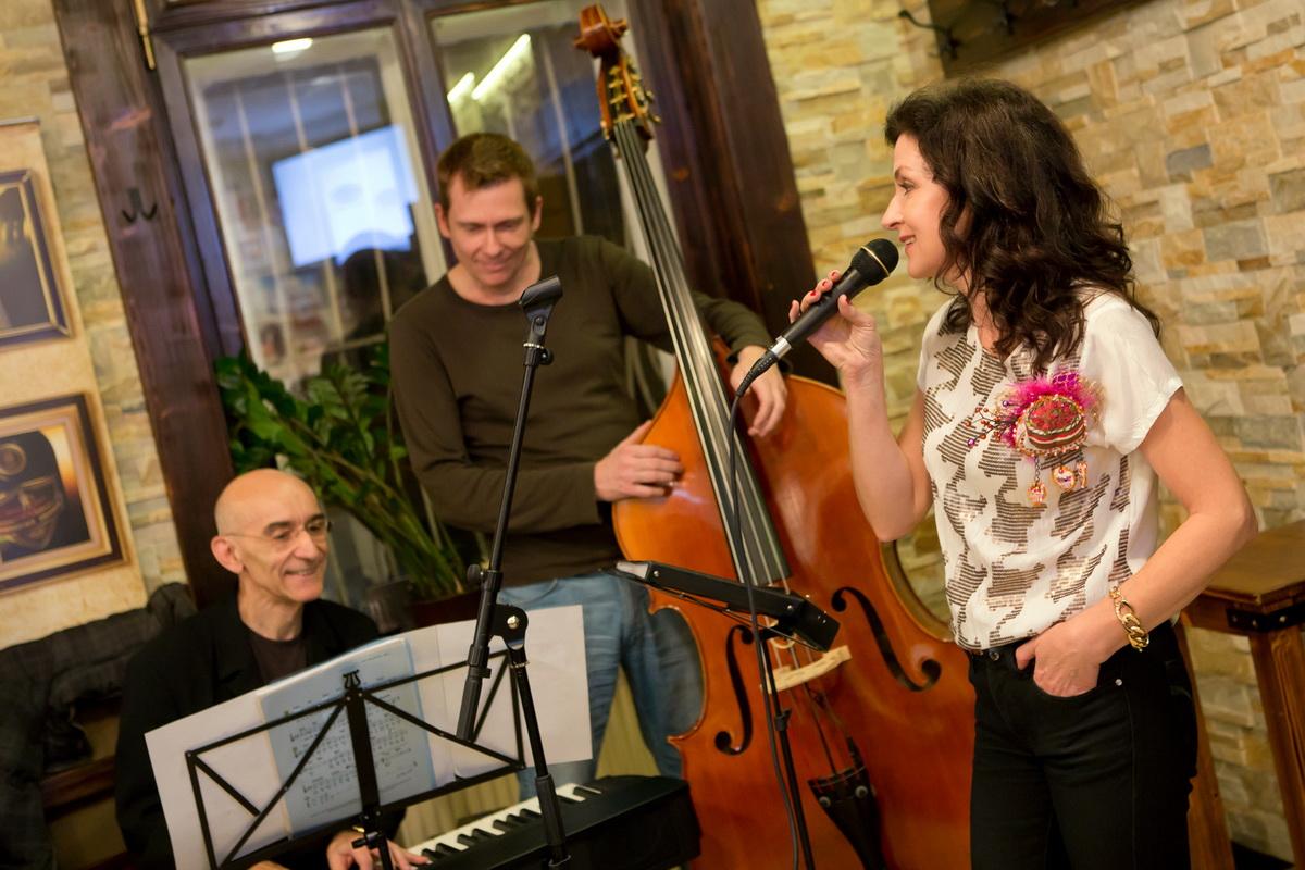 S legendárnym jazzovým klaviristom Gabrielom Jonášom a kontrabasistom Jurajom Kalászom