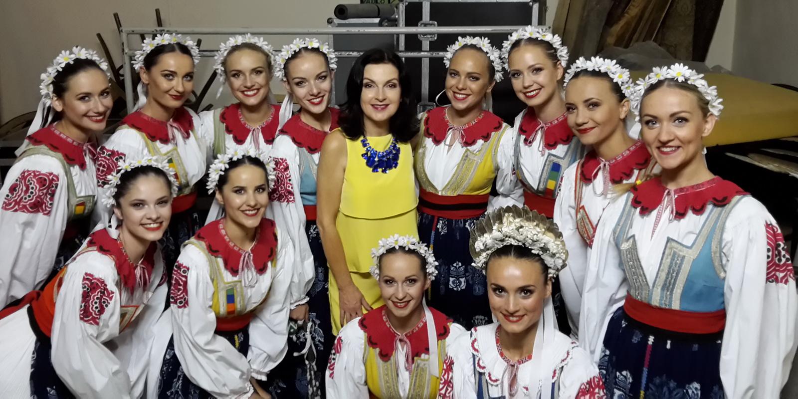 S dievčatami z Lúčnice